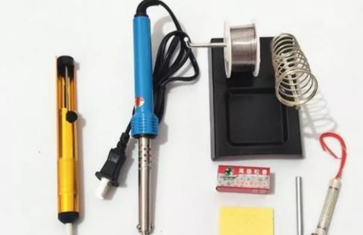 曲禾电子分享焊接电路板的小技巧。