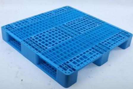 如何根据四川塑料托盘的材质来进行选择?