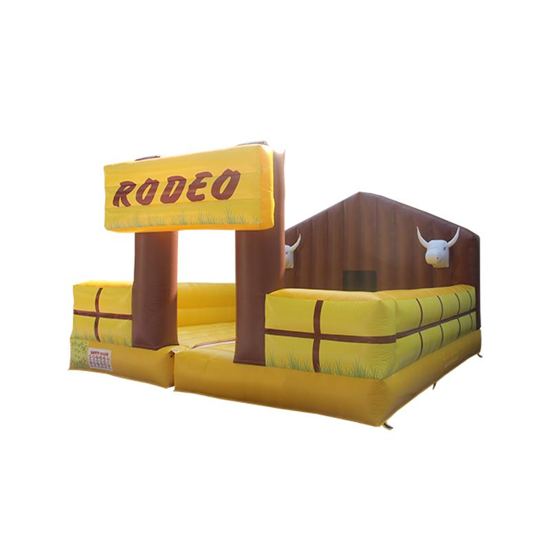 黄色牛棚充气障碍
