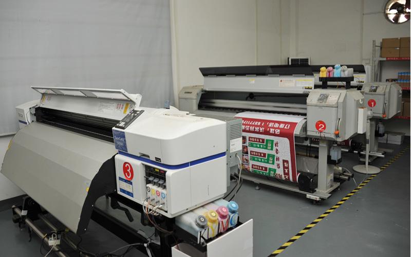 四川写真机与uv平板打印机有哪些不同之处?