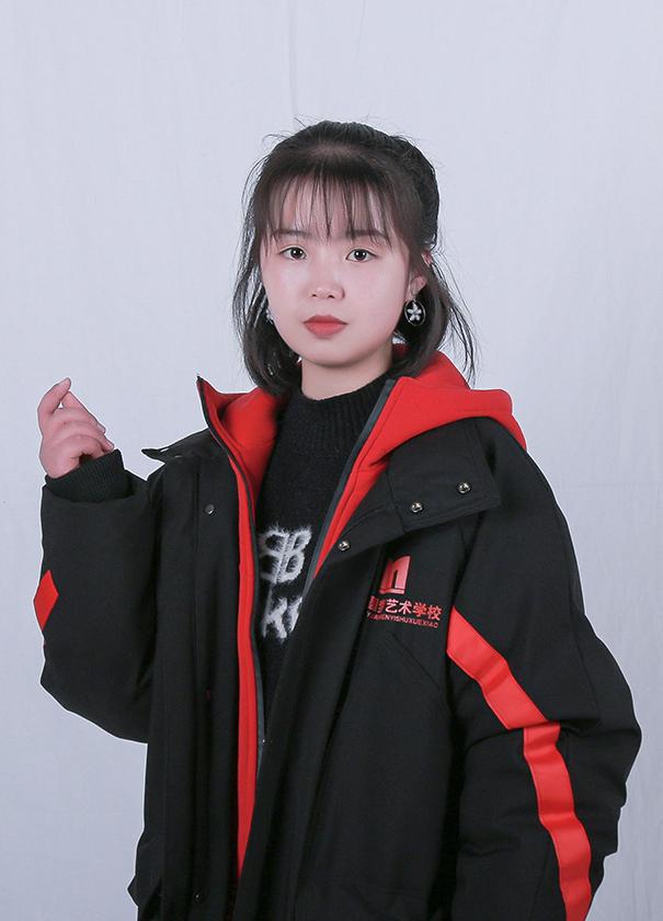 王倩倩-素描老师