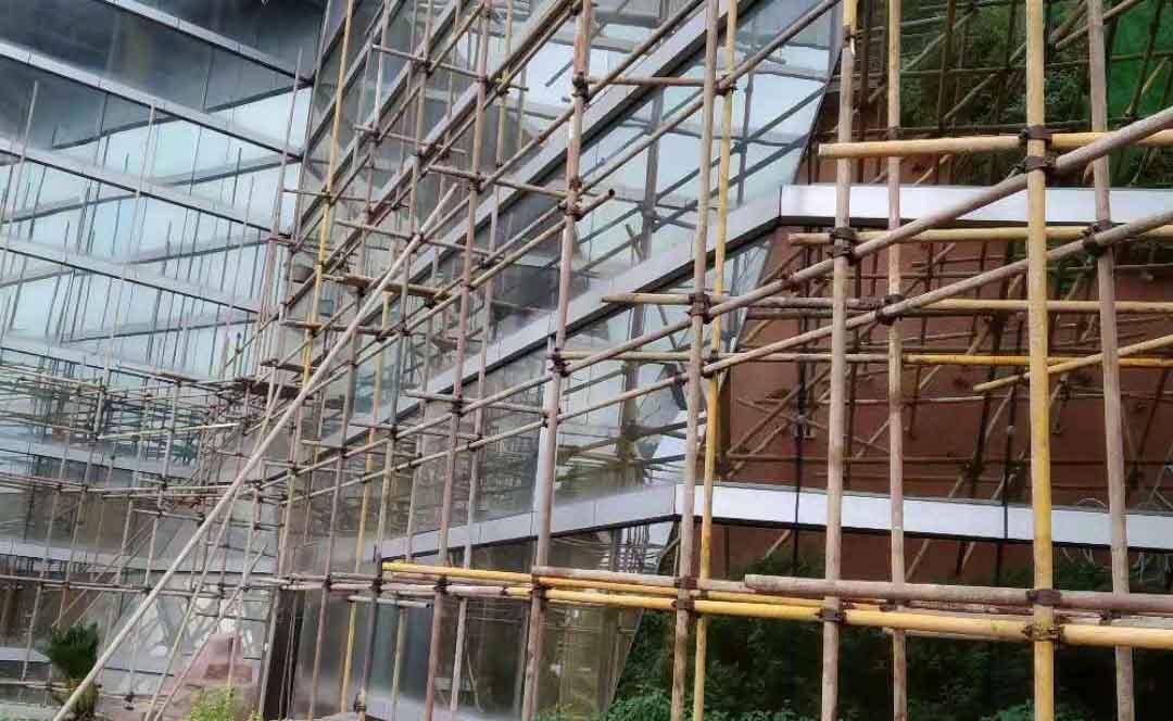 成都植物园博物馆幕墙钢管架搭建