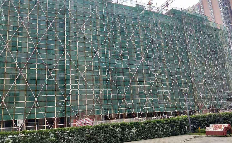 海昌南路宏达世纪锦城外墙架搭建