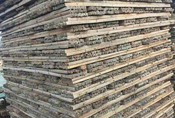 竹胶板堆放区域