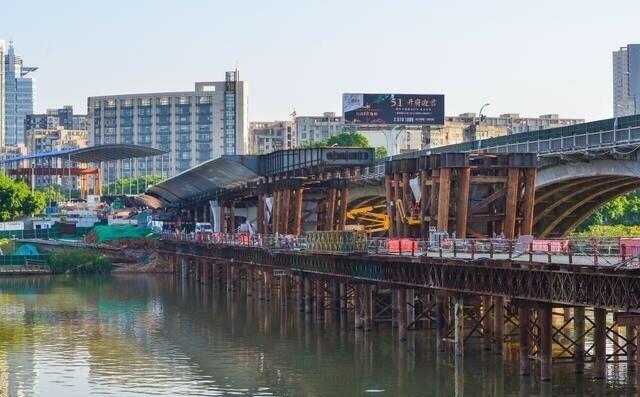 赣州南河大桥拓宽工程施工进展