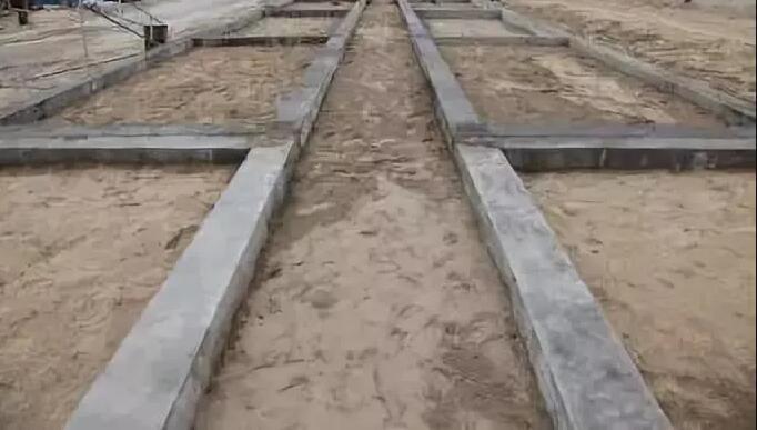 轻钢建筑地基