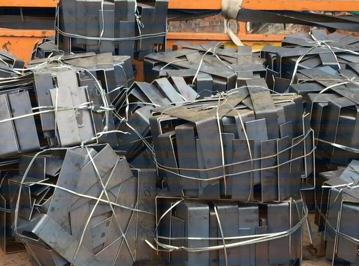 凉山钢结构-钢卡件