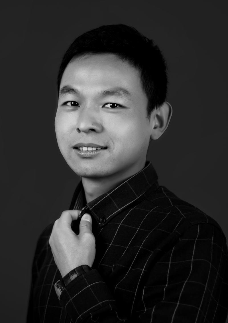 李志璐-素描主教