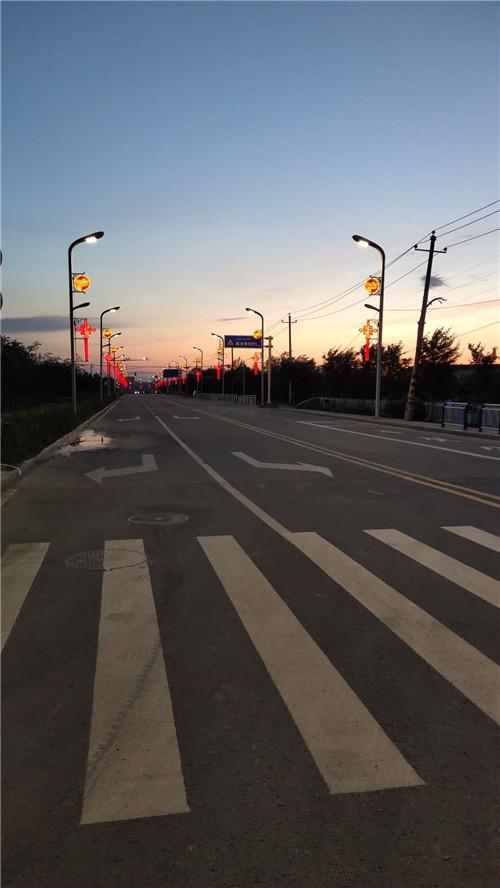 新疆路灯杆