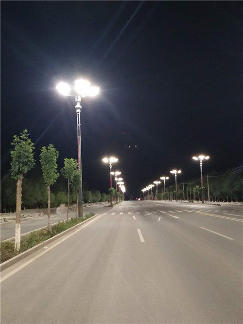 新疆路灯杆厂家