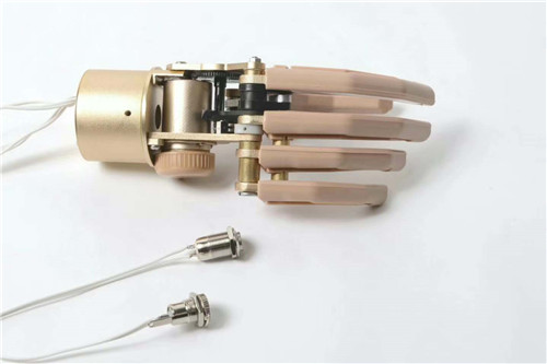 Five-finger forearm with built-in battery myoelectric hand