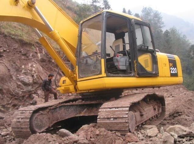 你知道挖掘机破碎锤工作无力的故障原因吗?
