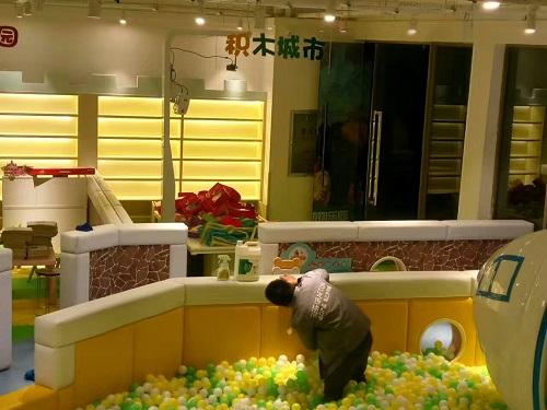 郑州除甲醛公司治理魔幻互动儿童乐园除甲醛工作
