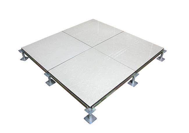 西安双威机房地板给您普及下少数的防静电地板施工方法