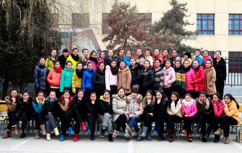 2013届舞蹈1班合影(部分学员)