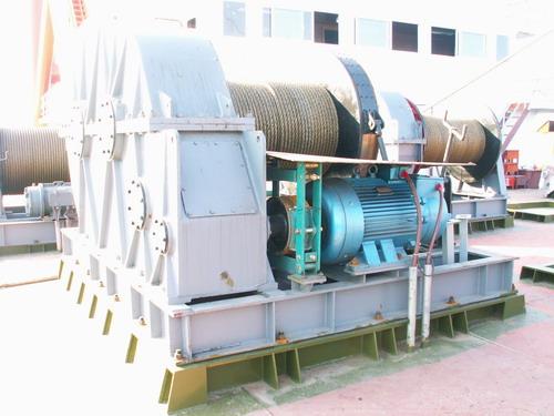 相比较于传统的绞车,船用液压绞车的两大特点