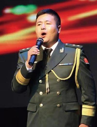 张岩(声乐教师)