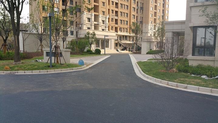 绿地名城沥青混凝土施工项目