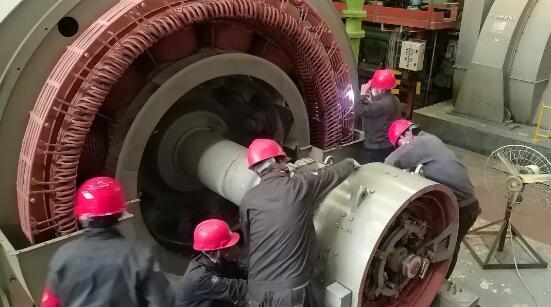 内蒙古壹登发电机设备有限公司启动发电机组 年终检修工作