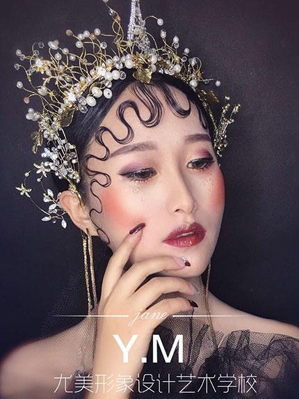 化妆技巧那么多,新手适合那些呢?