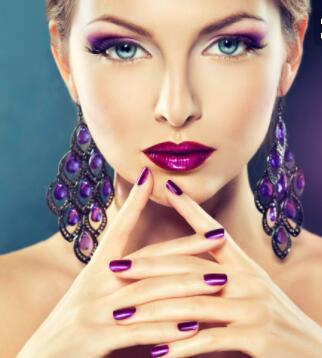 怎么樣才會讓你自己有好的一個化妝手法來改善自己