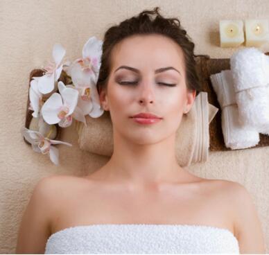 化妆培训学校到底是怎么样来学习化妆培训技巧的