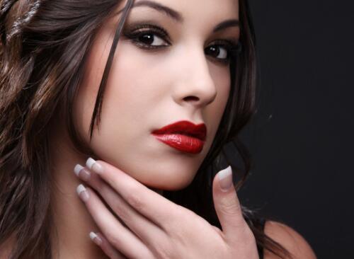 对于一个水嫩的肌肤谁不想要呢 所以我们的化妆培训就很重要了