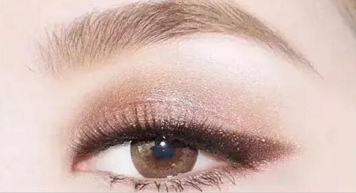 美丽的眼妆都是化出来的 可不是想来的