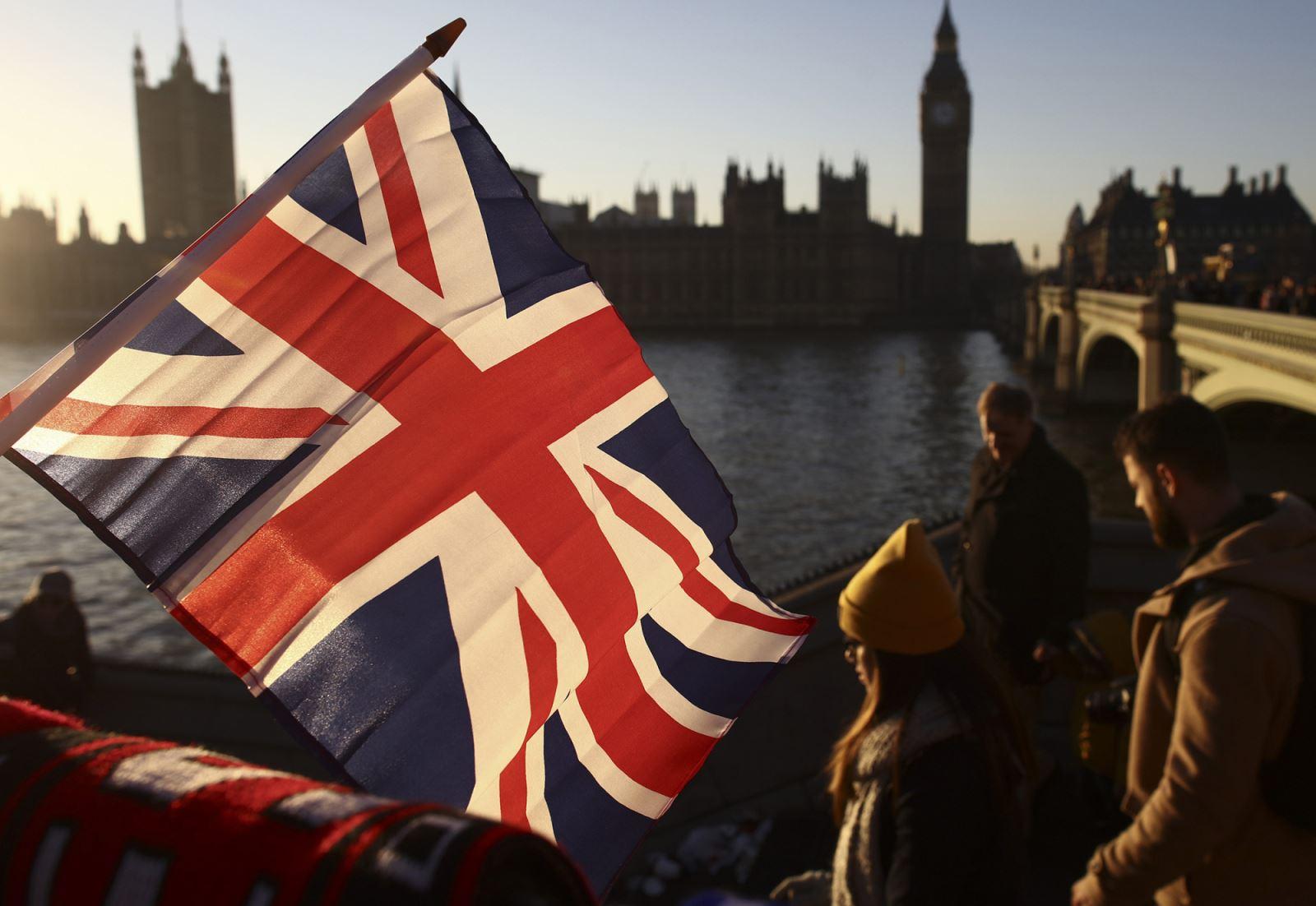 英国关于脱欧的争论日益胶着,各党派之间的斗争也愈发激烈