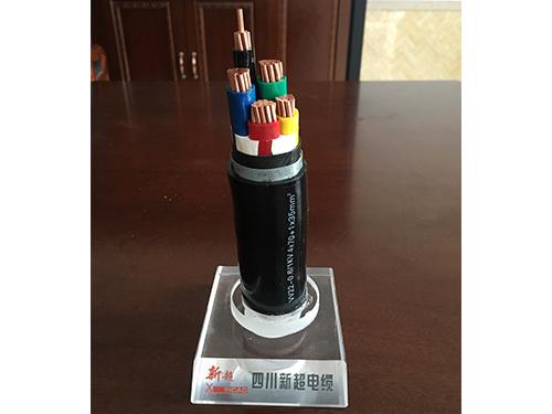 绝缘聚氯乙烯护套钢带铠装电力电缆(VV22-0.6/1KV 4*70+1*35mm^2)