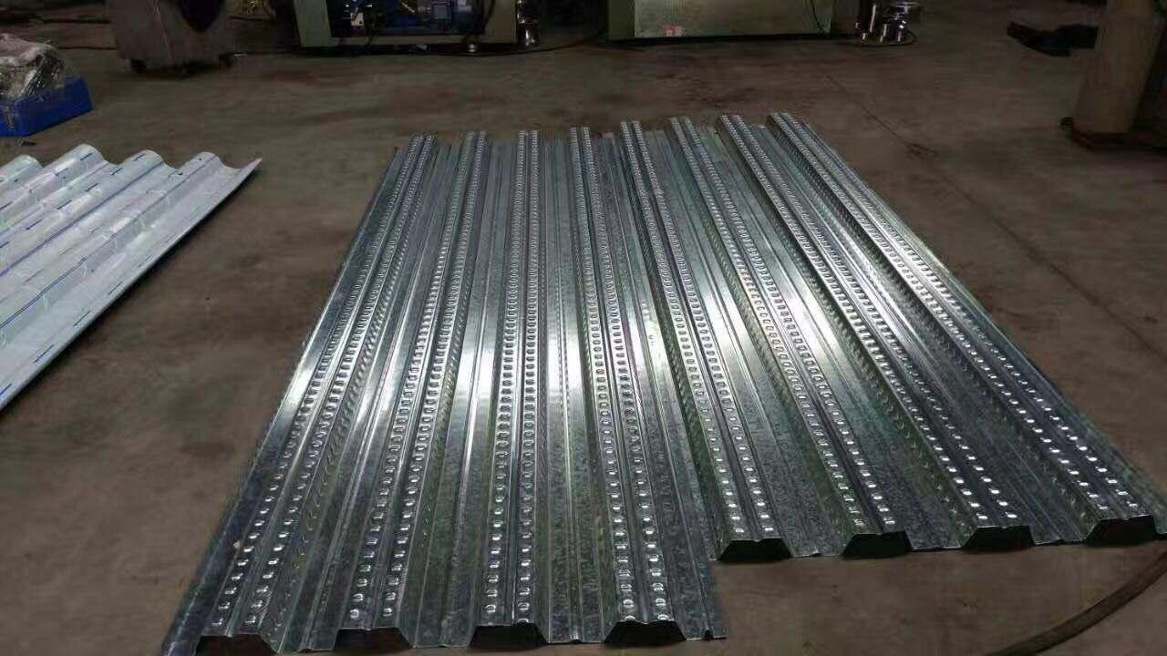 成都樓承板在施工過程中常用到的四種丈量工具
