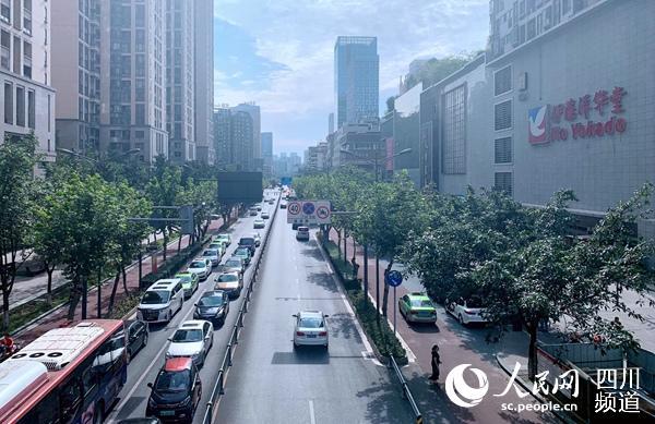 建设路街景