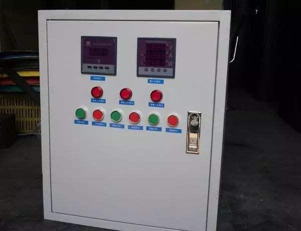 安装配电箱防护棚,做建筑文明施工单位