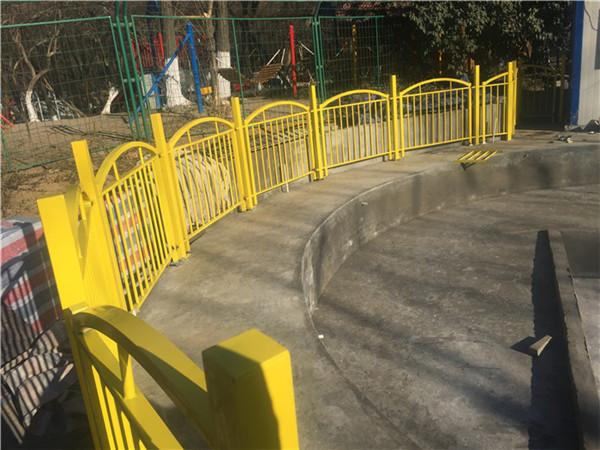 河南铁艺护栏为什么会出现表面不平整的情况?