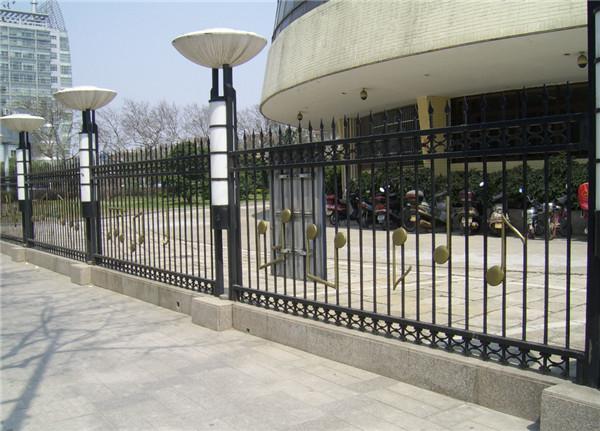 河南锌钢护栏价格