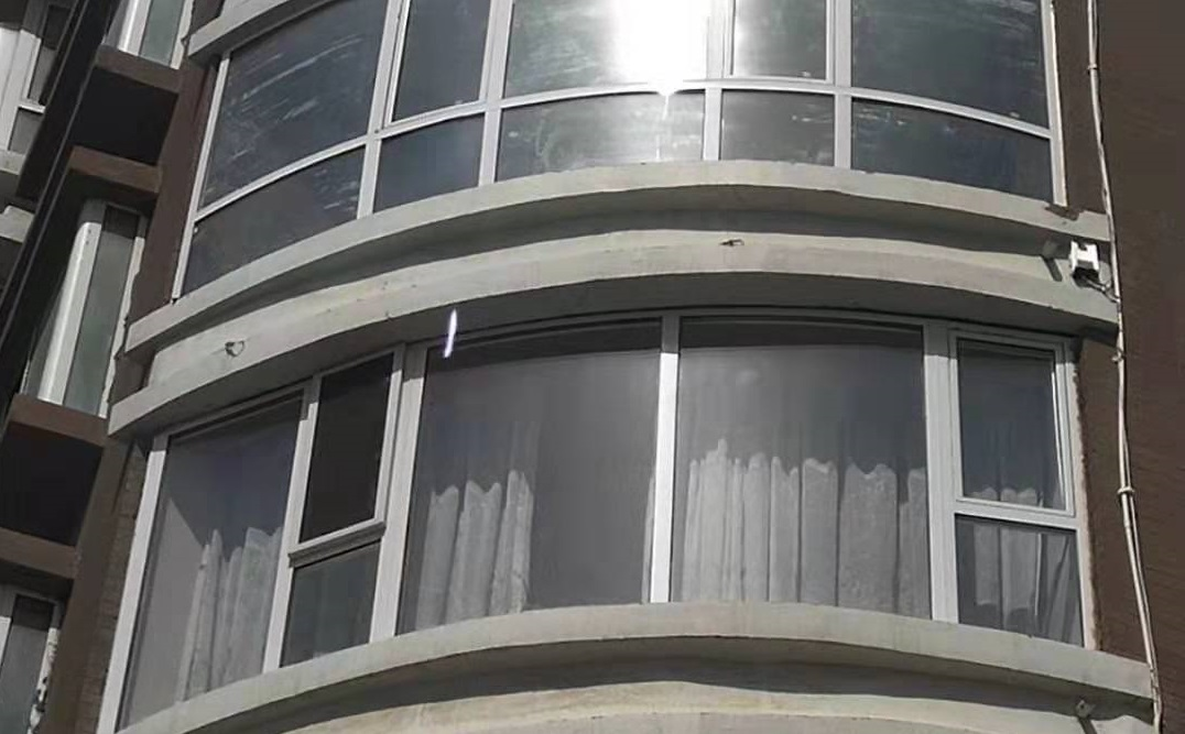 呼和浩特市铝包木门窗安装