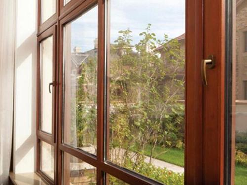 你知道铝包木门窗中底漆的作用吗?