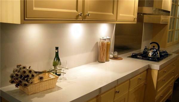 厨房台面可以用石英石吗