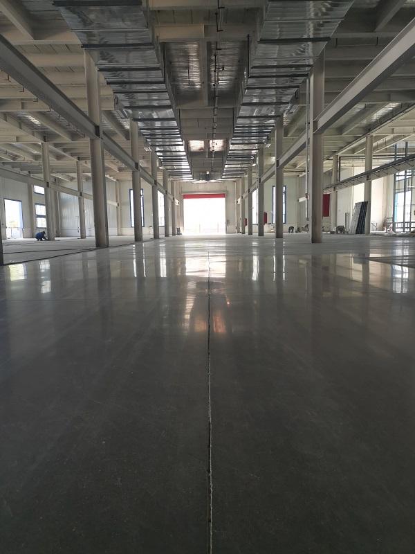 新伟门窗厂厂房原装进口密封固化剂地坪施工案例