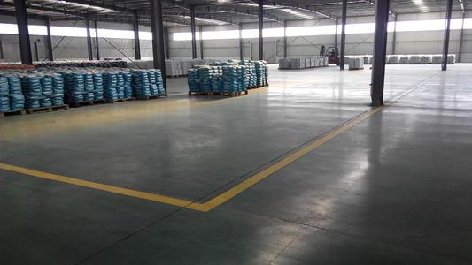为什么很多工厂要做金刚砂耐磨地坪