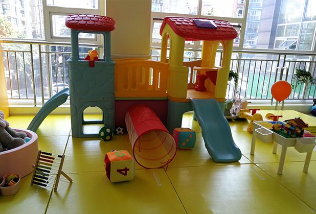 玩儿童组合滑梯对孩子有什么影响?