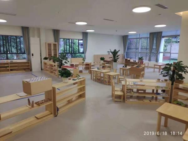 成都幼儿园家具应该选择什么样的材质更加好?