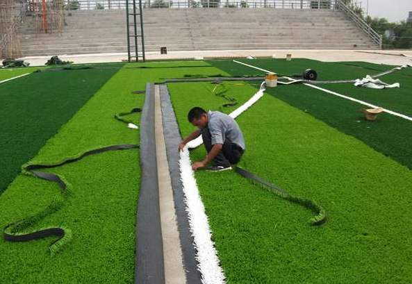 小编带您简单了解成都人造草坪以及注意事项