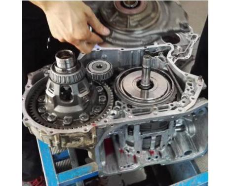 嘉年华6速双离合变速箱维修