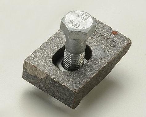 讲解!成都轨道压板的正确使用方法!