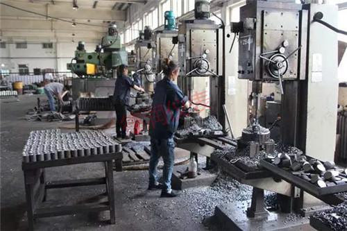 河南电磁流量计厂家生产车间