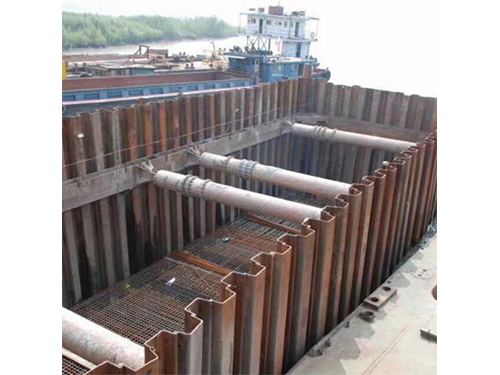 中交二航局自贡沱江饮水工程钢板桩施工