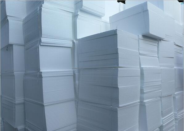 建筑保温材料这么多成都聚合聚苯板公司为告诉你该怎么选