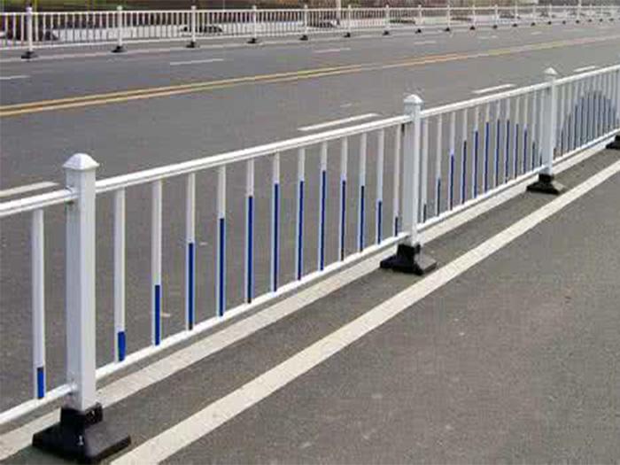 兰州城市道路护栏