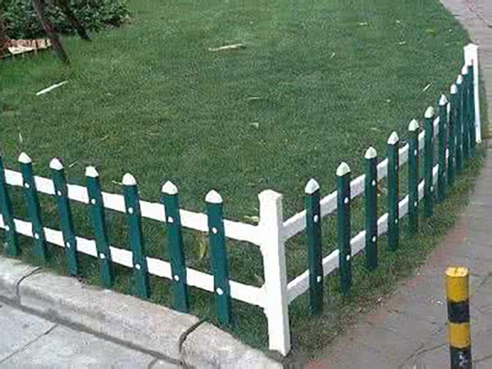 兰州PVC草坪护栏